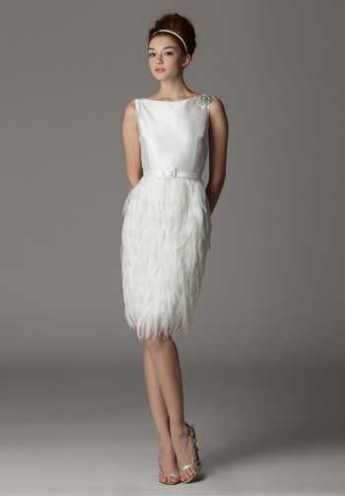 Short, sassy and classy wedding dress by Aria