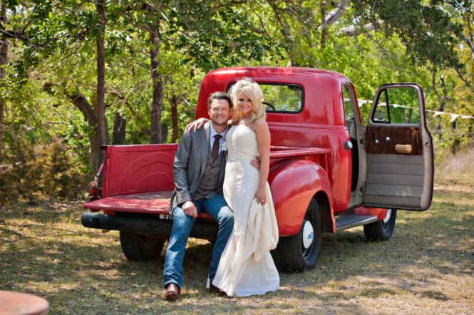 Blake-Shelton-Miranda-Lambert-WEdding-Photo-Love-Coast