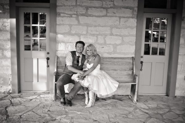 Love-Coast-Blog-miranda-lambert-blake-shelton-wedding-picture