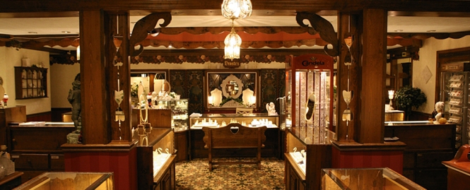 Coast Diamond Featured Retailer Droste's Jewelry Shoppes in Evansville, Indiana