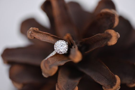 hannah-derr-engagement-ring-close-up