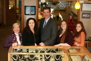 Coast Diamond Retailer of the Week, Munn's Diamond Gallery