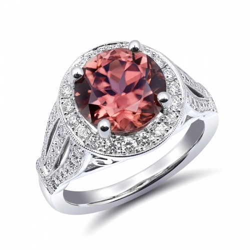 Giving the Gift of Coast Diamond With Leslie Jewelers of Searcy, AR