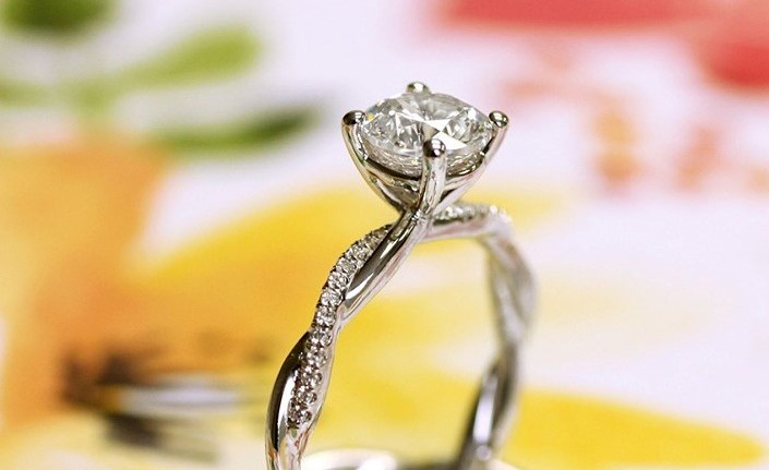 Coast Diamond delicate engagement ring with matching band LC20201_WC20201 featured image