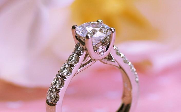 Coast Diamond 1.5 CT Engagement ring LZ5007H-1 peek-a-boo diamond